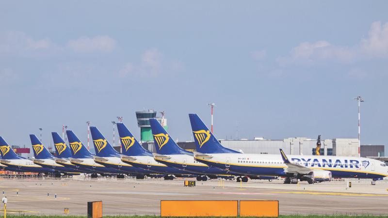 grounded Ryanair aircraft