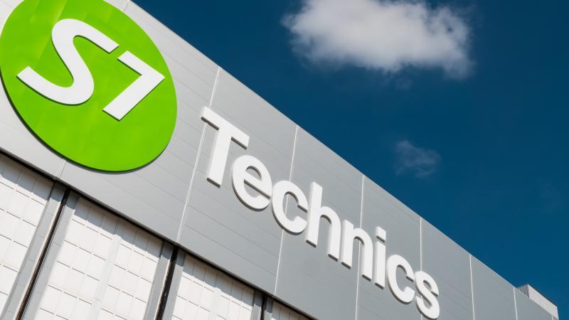 S7 Technics base