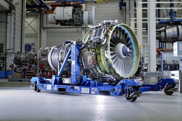 MTU Maintenance work on a CFM56-7B